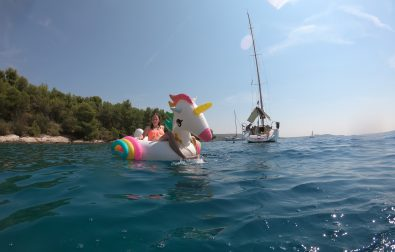 sailing-day-trip-from-split-to-nearby-islands