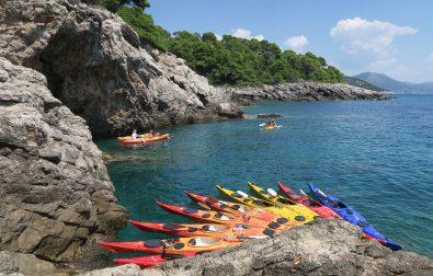 kayaking-around-the-elaphiti-islands-near-dubrovnik