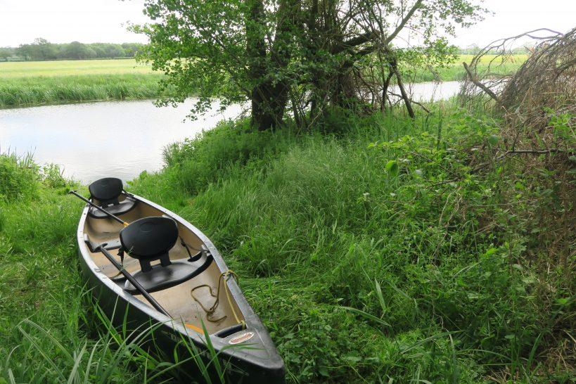 canoe-trips-from-rushden-lakes