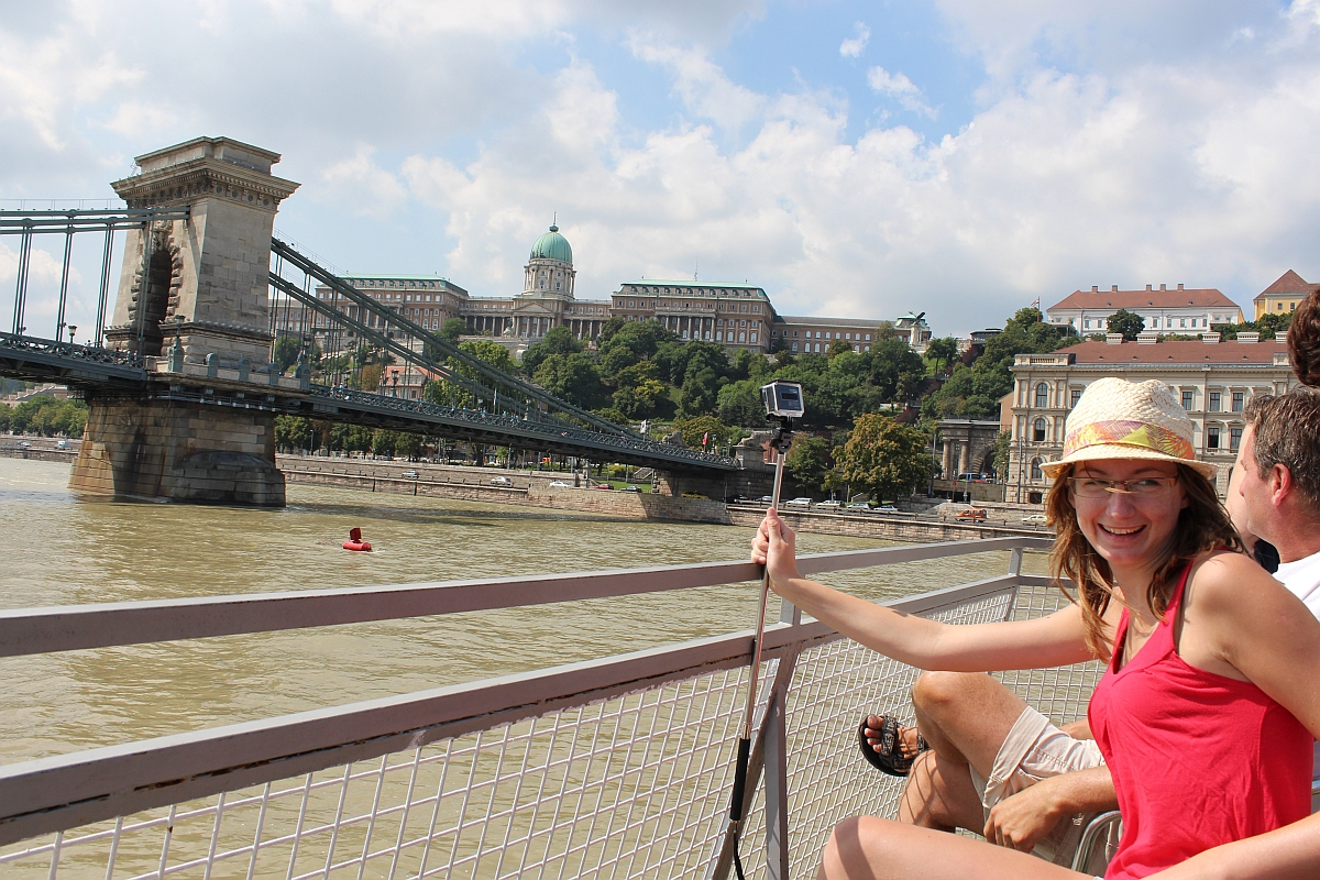 Sightseeing in Budapest using the BKV boat