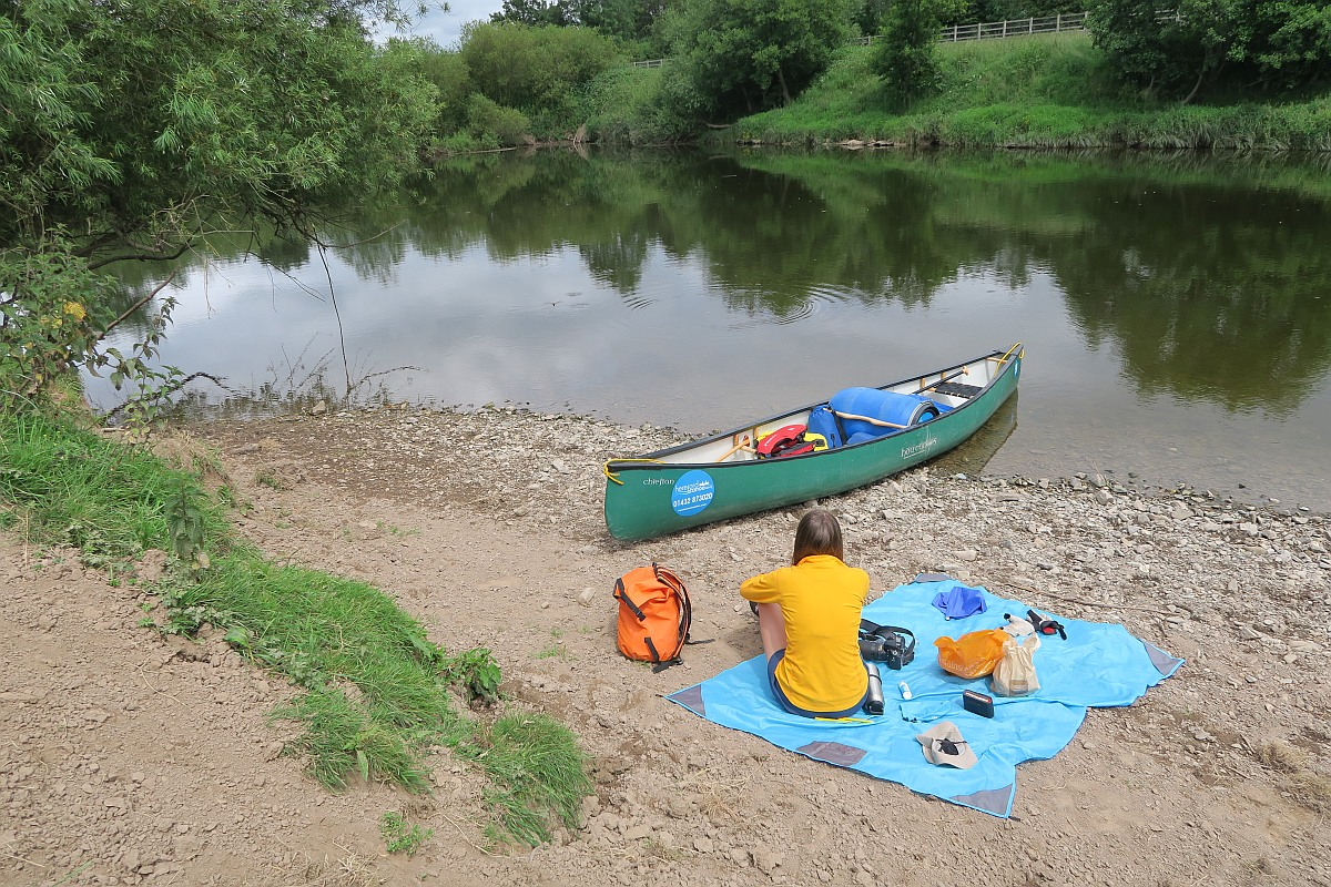 Picnic on the River Wye