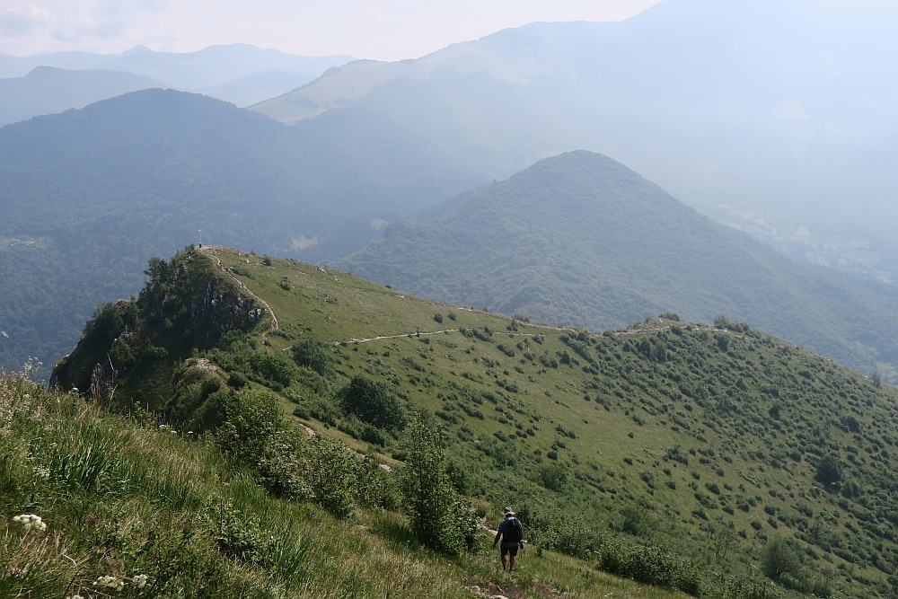 Descending from Corna Trentapassi