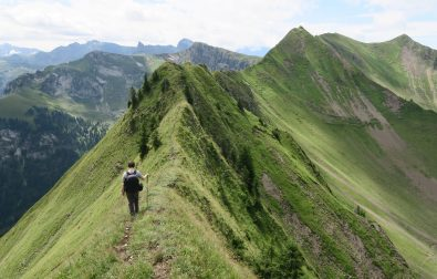 hiking-arnigrat-a-less-known-ridge-hike-in-switzerland