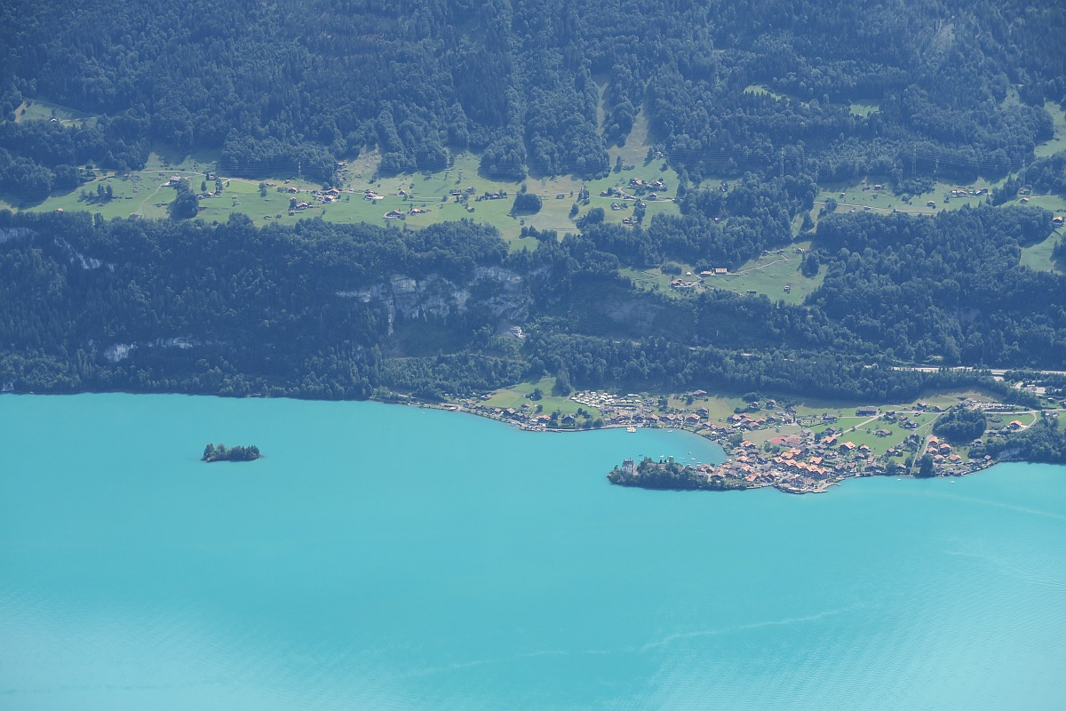 You can see the only island on Lake Brienz