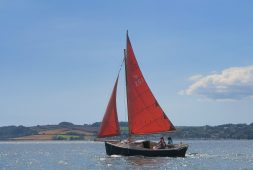 mylor-boat-hire-in-cornwall-sailing-the-carrick-roads