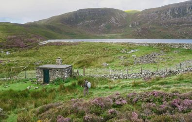 hiking-to-arenig-fawr-bothy-and-mountain